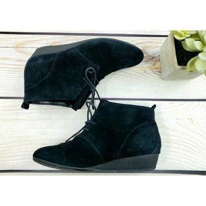 Nine West peasant booties black 7